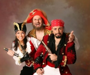 pirates.jpg-RESIZE-s925-s450-fit